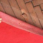 Red Carpet: quando se ne andrà lascerà i buchi; dei chiodi e dei costi