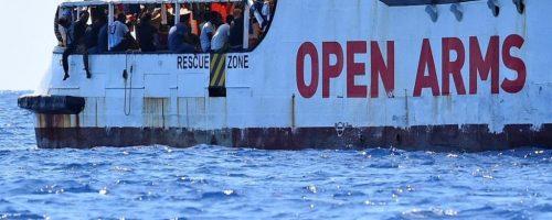 """Immigrazione, Fratoianni: """"fare sbarcare subito da Open Arms"""""""