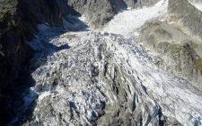 Allarme in Val d'Aosta: scivola il ghiacciaio Planpincieux