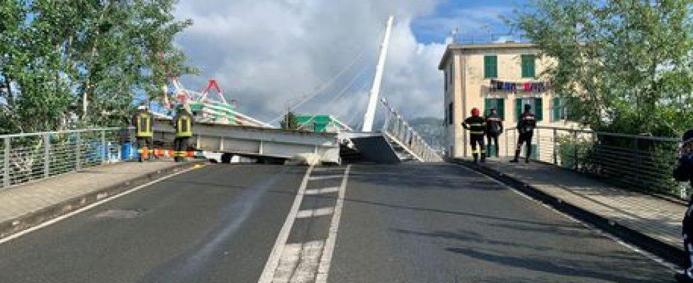 crolla-ponte-levatoio-di-una-darsena-a-spezia-nessun-ferito