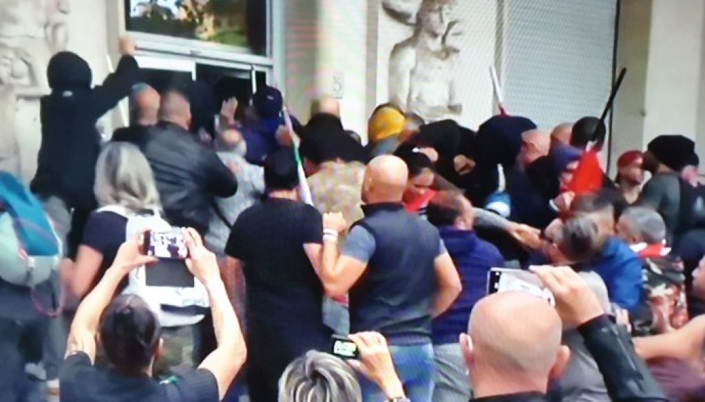 pastorino-atto-squadrista-contro-cgil-sciogliere-partiti-fascisti